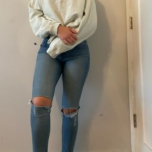 Midwash Mid Rise Skinny jeans!